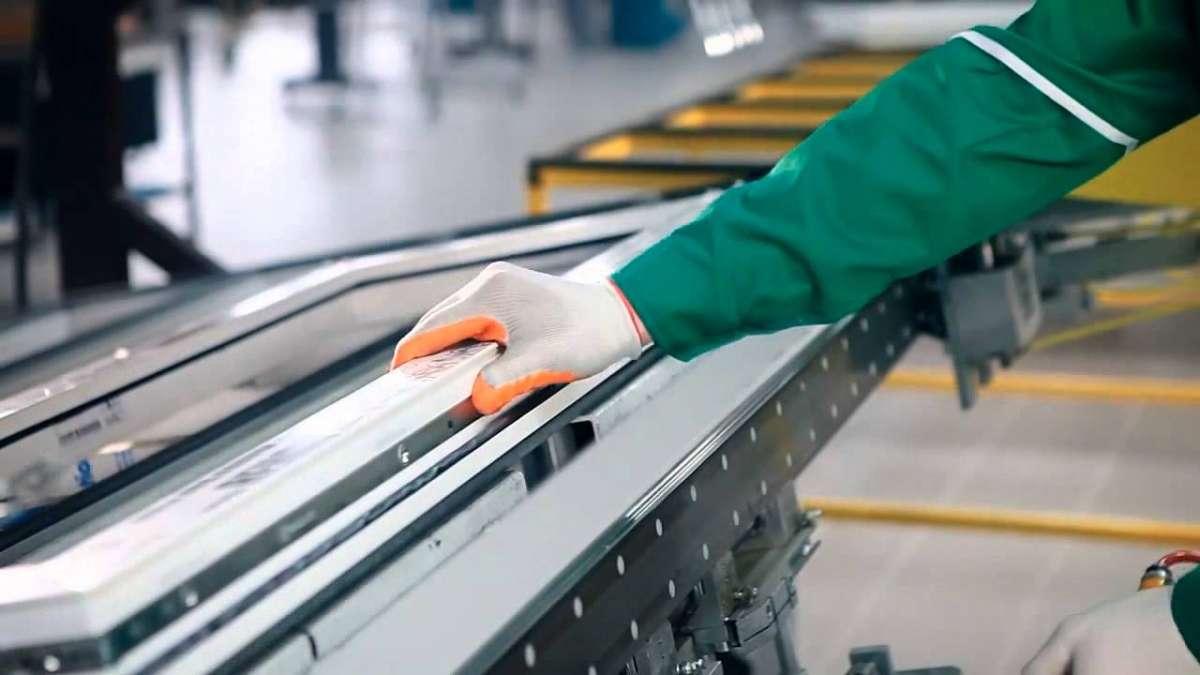 Процесс сборки металлопластиковых окон