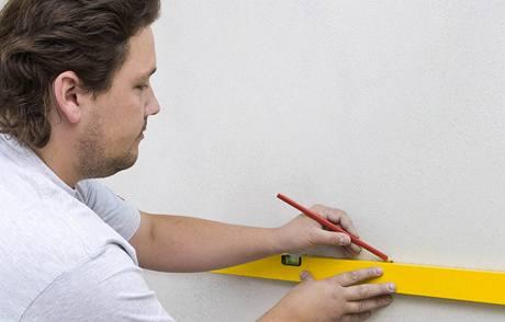 Подготовка к укладке плитки, разметка стены