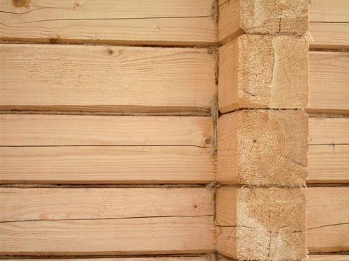 Стена деревянного дома