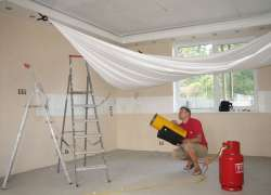 Минусы при монтаже натяжных потолков