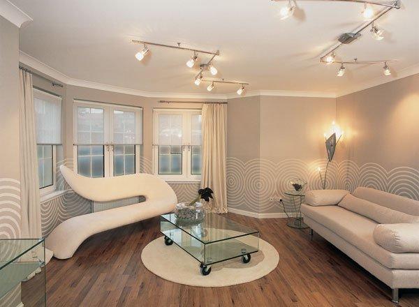 Особенности оттенков и узоров в дизайне обоев для зала